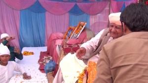 Om Ji bhar do jholiyan bhajan 2013-02-27
