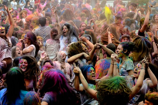 holi featured image