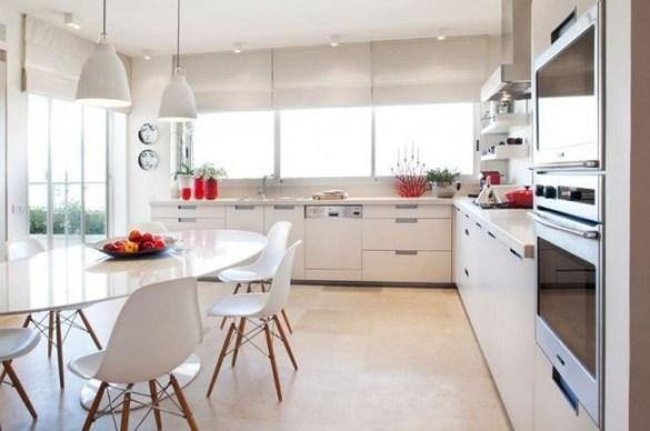 Белые шторы кухня