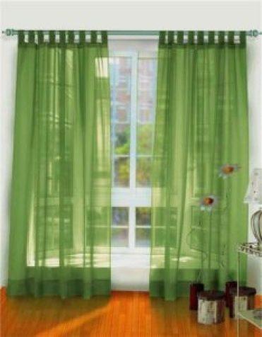 Зеленые шторы из вуали