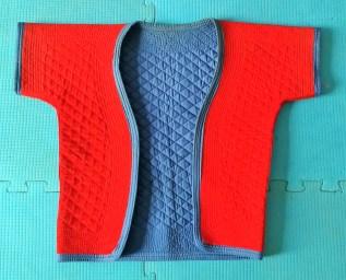 Jiaoyi chinês vermelho e azul.