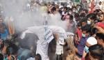 বিহারি ক্যাম্প উচ্ছেদের প্রতিবাদে উত্তাল মিরপুর, আতিকের কুশপুত্তলিকা দাহ
