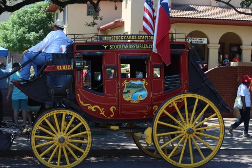 Beautiful carriage parked on the road. / Photo by Parker Conley