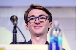 Actor Isaac Hempstead Wright / Getty Images / Albert L. Ortega