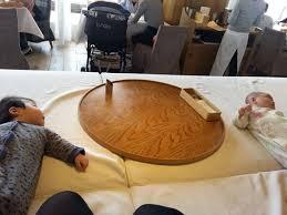 「24/7レストラン」みなとみらいで子連れでランチ!座敷