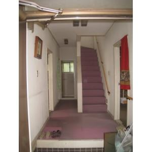 carpet-stairs-before