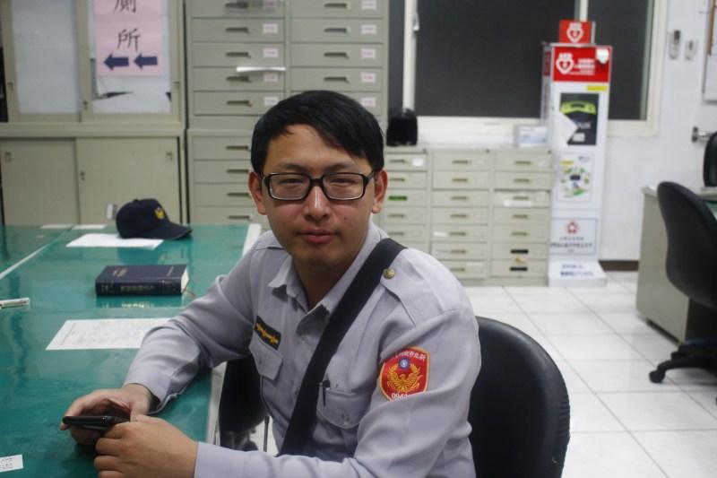 資深警察徐嘉男期望新進員警更快適應職場生活。攝影/祝敏婷