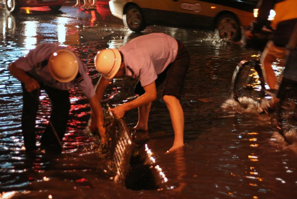 Enchentes em Henan causam destruição