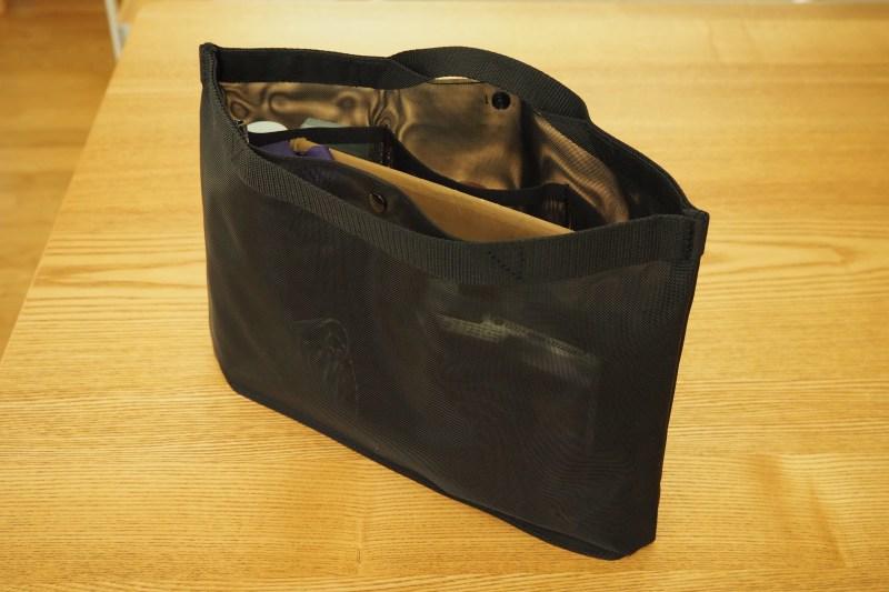 無印のナイロンメッシュバッグインバッグ使用例
