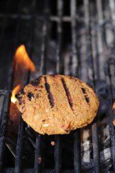 Grillable vegan veggie burger
