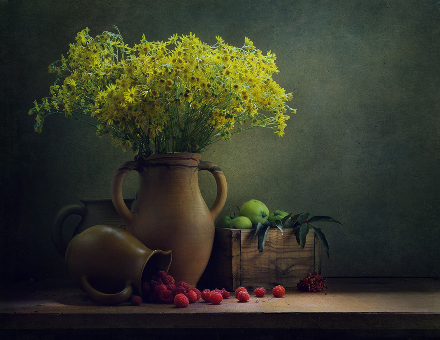 flower vase with yellow flowers