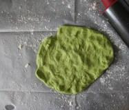 בצק ירוק הרבה יותר מעניין מבצק לבן, נכון?