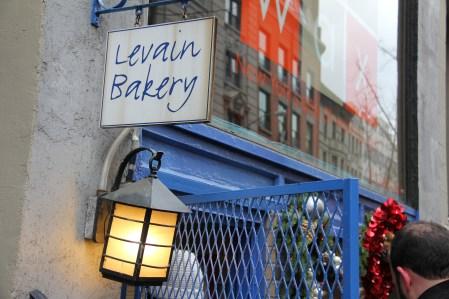 Levain Bakery: חור קטן בקיר, תור ארוך ועוגיות מעולות