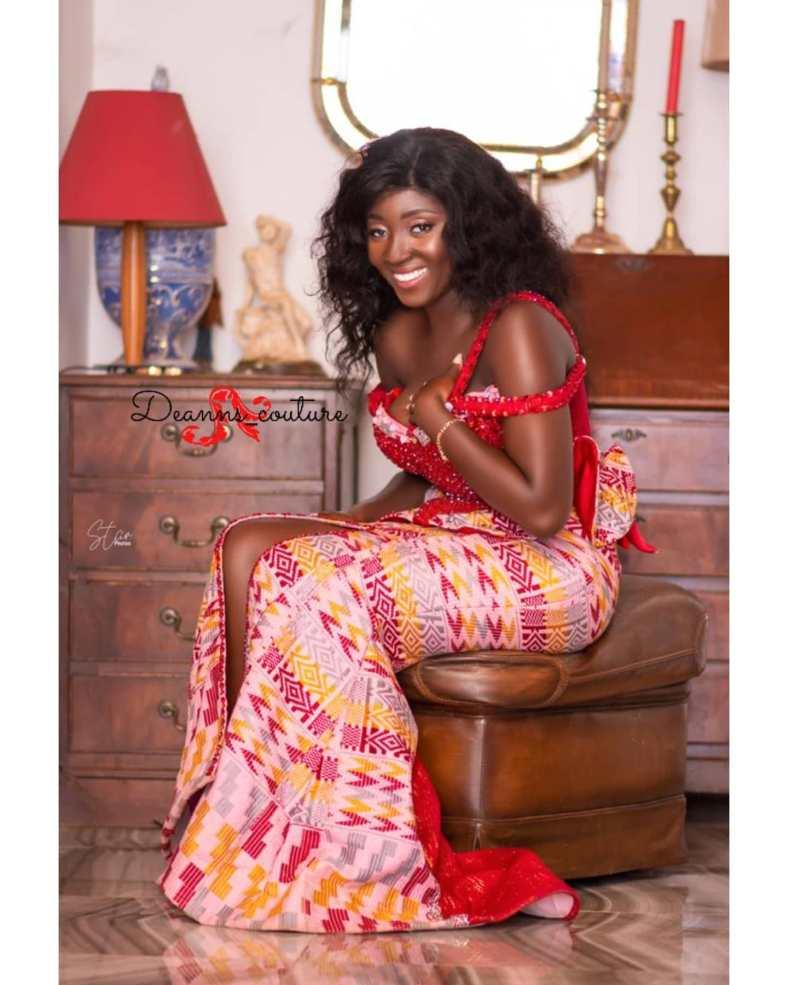 Traditional Kente Designs For Women 2021 (13)