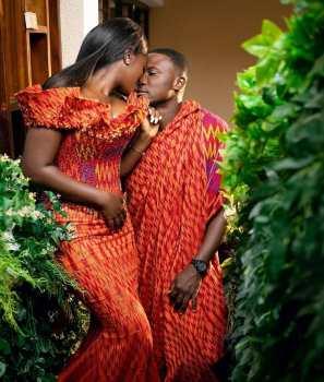 Traditional Kente Styles Women 2021 (9)