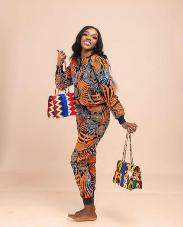 Amazing Ankara Dresses Gown Styles 2021 For Ladies (13)