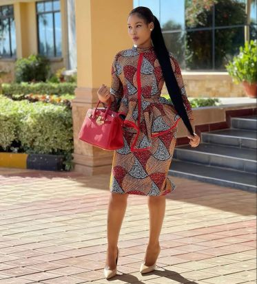 Amazing Ankara Dresses Gown Styles 2021 For Ladies (17)