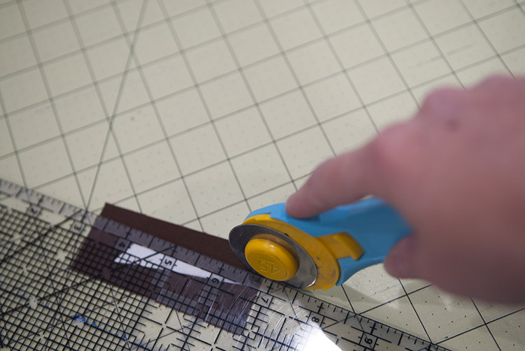 How to Paper Piece a Quilt using Freezer Paper || #Quilting || Shwin&Shwin
