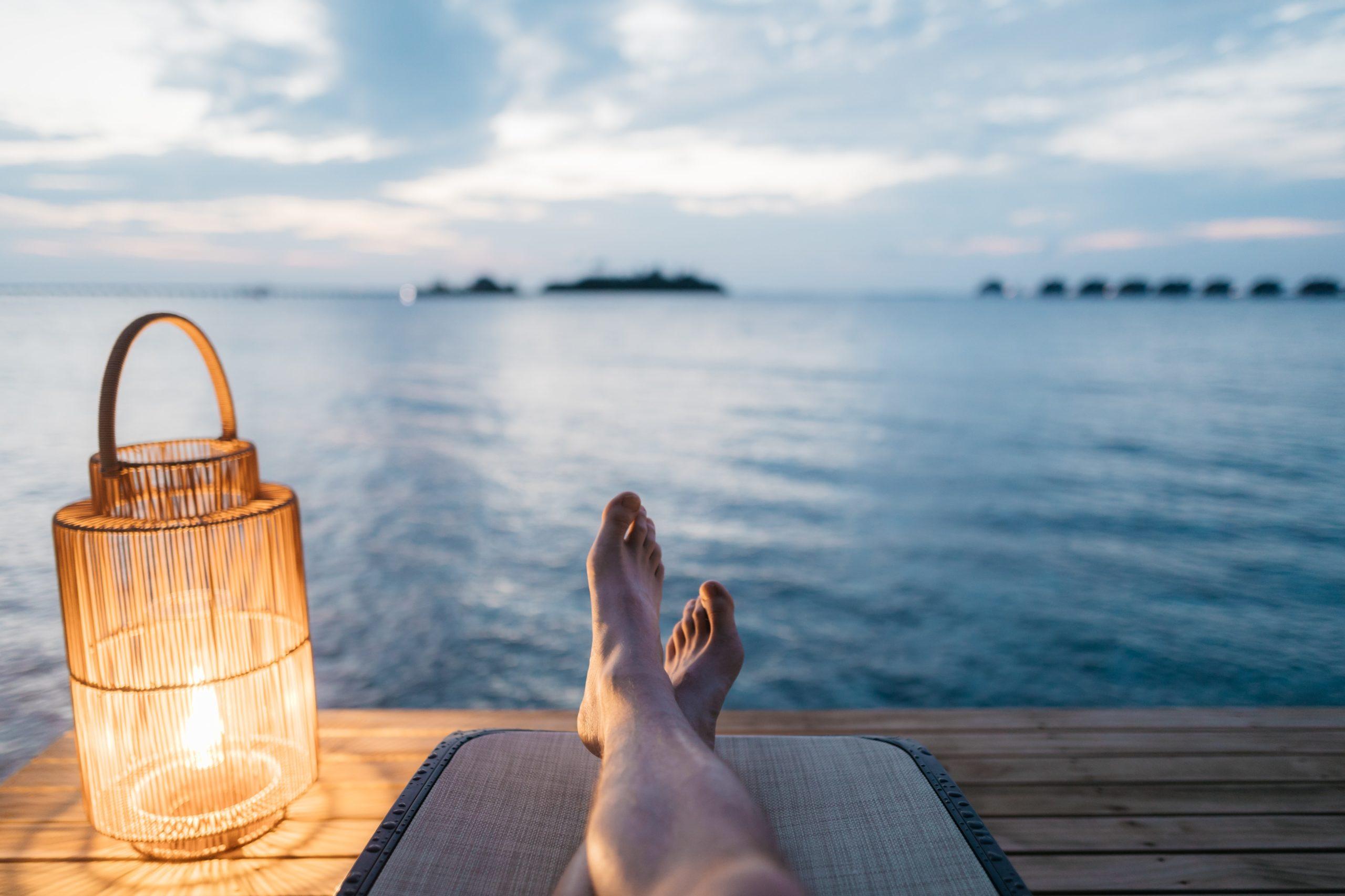 relaxation-océan-jambes