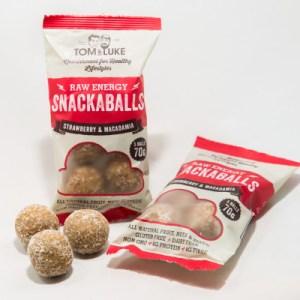 5 Snackaballs Strawberry and Macadamia Raw Energy