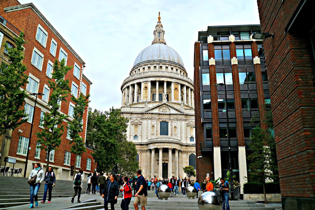St paul's cathedral from the travel round up
