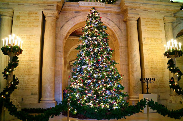 Christmas tree in the NYC library