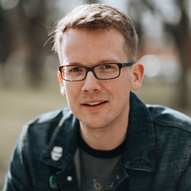 Existential questions about online stardom feature in Hank Green's 'An Absolutely Remarkable Thing,' the 38-year-old writer's debut novel out Sept. 25.
