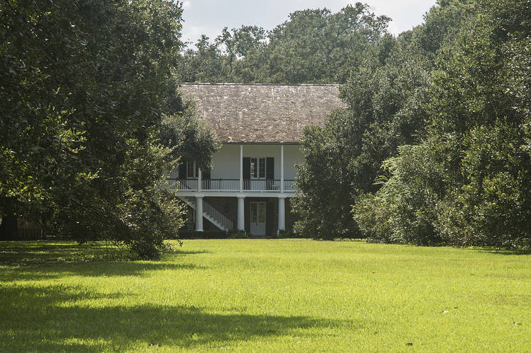 The former home of Basil Clovis Hendry Sr. in Baton Rouge, La.  How a $450 Million da Vinci Was Lost in America—and Later Found B3 BU796 DAVINC P 20180918155246