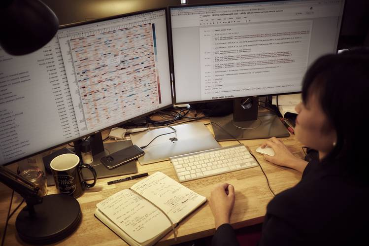 Candice Yip, a quantitative researcher at Thasos, working at the company's Manhattan headquarters.   Your Smartphone's Location Data Is Worth Big Money to Wall Street B3 CG165 THASOS P 20181101164601