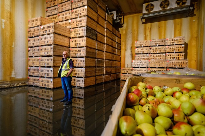 Peter Hall, who grows apples and pears in Victoria, sold off some of his water rights but now sees the water market as harmful to Australian farming.
