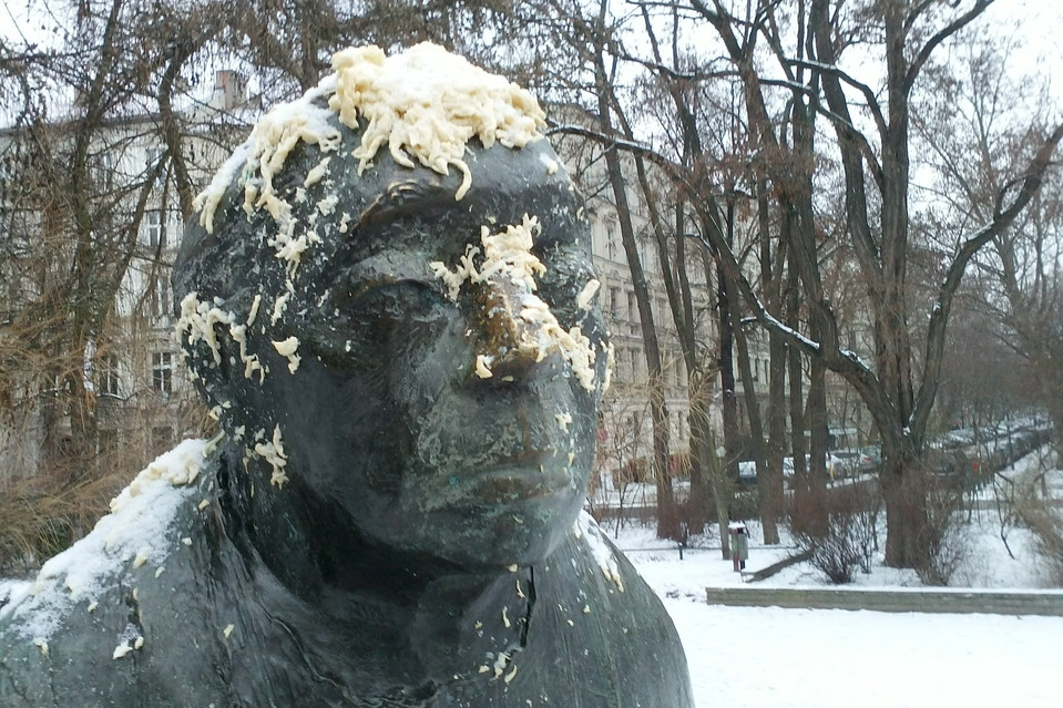 Food Fight: Members of a group called Free Schwabylon flung spätzle—Swabian noodles—at a statue, prompting Berliners to douse a statue of philosopher George Wilhelm Friedrich Hegel, a Swabian who lived in Berlin almost two centuries ago, with currywurst, a Berlin street-cart delicacy of sausages in red curry sauce.