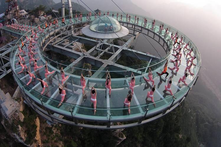 People practiced yoga at Beijing's Pinggu district.
