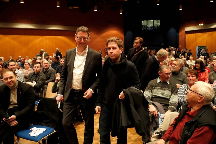 Kevin Kühnert, right, the leader of the youth wing of the SPD, and deputy party leader Thorsten Schäfer-Gümbel, arriving for a discussion of a possible coalition last week in Recklinghausen, Germany.