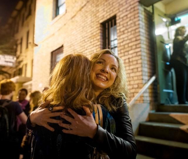 Sarah Joy Miller Who Plays Anna Nicole Smith With A Friend