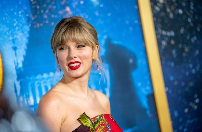 Taylor Swift Shocked Fans To Donates $3000