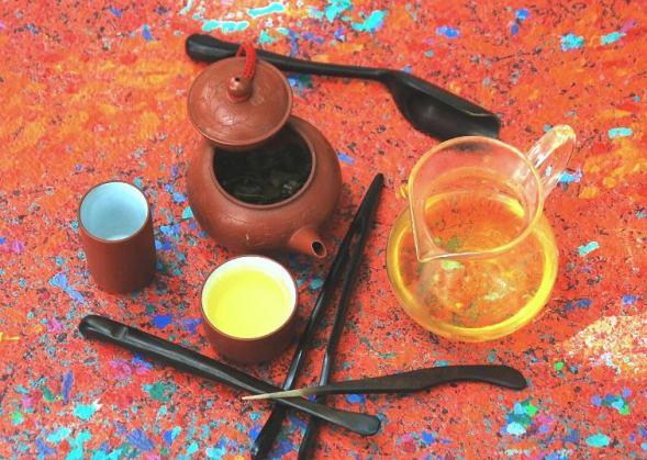 Cha Khao Hom Premium Thai Rie tea from Doi Mae Salong, north Thailand - in preparation
