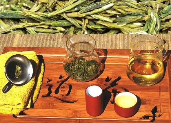Wilder Spring Long Jing Drachenbrunnen Grüner Tee Teezeremonie