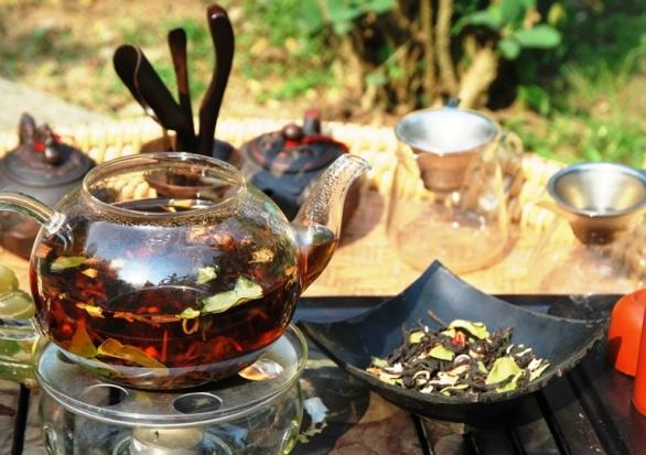 Zubereitung von Siam Blend Thai-Teemischung