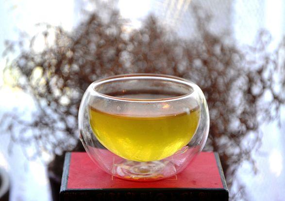 Jadegrüne Tassenfarbe von Bancha Haru grüner Tee
