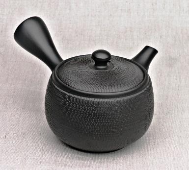 Japansiche Teekanne, schwarz, 360ml, Handarbeit aus Ton