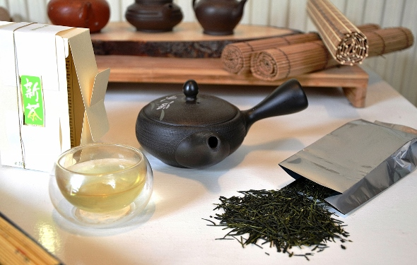 Friesh Shincha tea from Yakushima island, first spring harvest 2015
