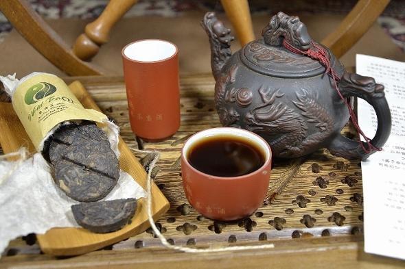 Ancient Phoenix Gereifter Shou Pu Erh Tee