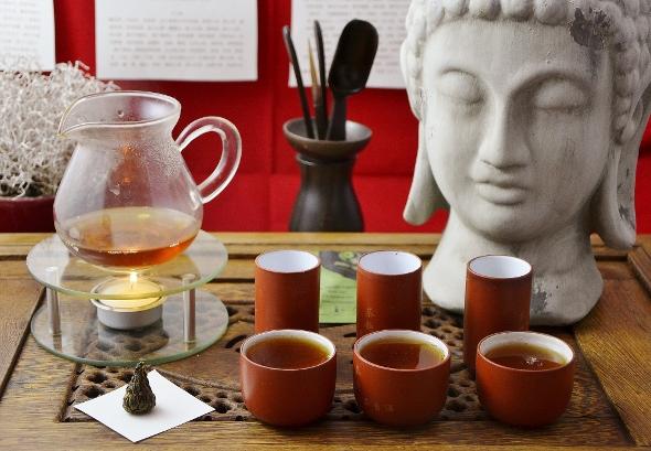 Black Needle Pagoda Schwarzer Tee aus Yunnan (Dian Hong Cha)