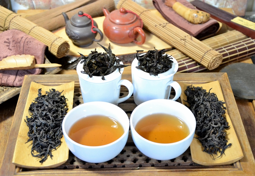 Authentic Beidou and Qidan Da Hong Pao Oolong Teas from the first generation cutoffs of the motherbushes in Zhengyan, Wuyishan