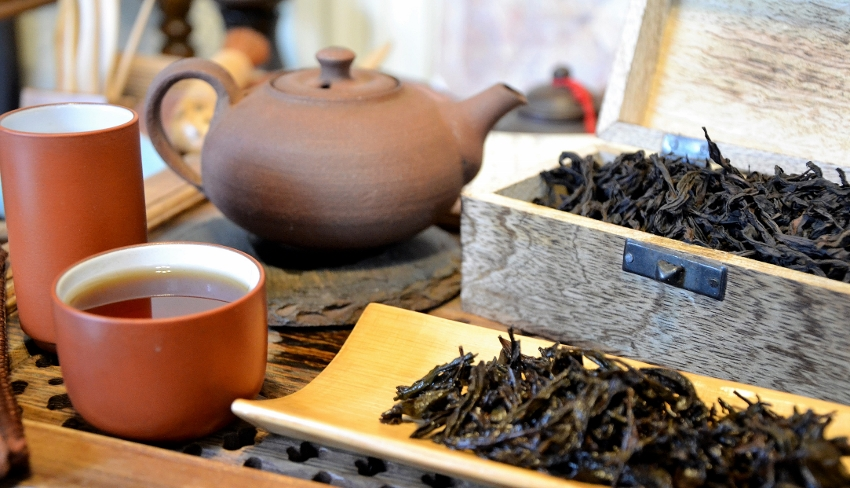 Tie Luo Han Wuyi Yan Cha Oolong Tea - from a tea garden of the Chen family in Da Shui Keng, Banyan, Wuyishan