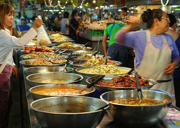 Le salaire minimum va augmenter en Thaïlande mais les détails sont encore à négocier