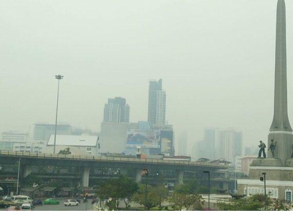 Le niveau de pollution de l'air à Bangkok se maintient à un seuil très inquiétant