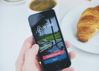 Paris poursuit Airbnb pour des annonces de biens non enregistrés