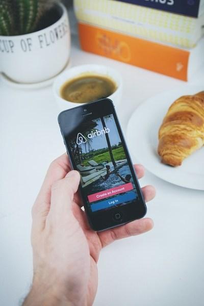 La ville de Paris va poursuivre Airbnb au sujet d'annonces de biens en location non enregistrés