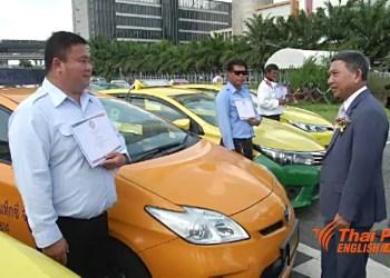 Bangkok : les chauffeurs de taxi vont recevoir des cours d'anglais gratuits
